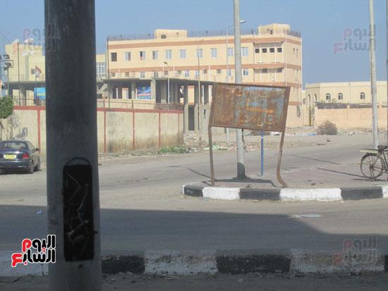 """أعمدة بنهر طريق شارع دمشق """"كسرى"""" سابقا"""