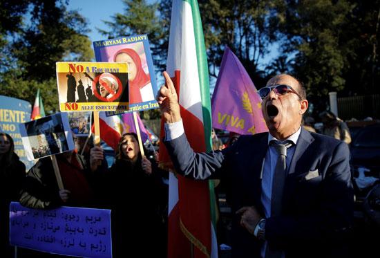 61554-صور-عواصم-العالم-تنتفض-لدعم-ثورة-الفقراء-فى-إيران-(8)