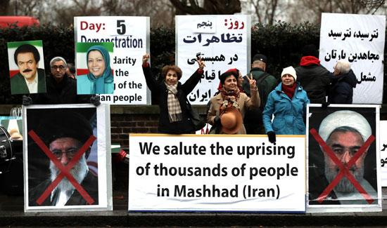 64846-صور-عواصم-العالم-تنتفض-لدعم-ثورة-الفقراء-فى-إيران-(9)