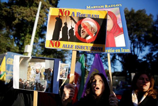 66321-صور-عواصم-العالم-تنتفض-لدعم-ثورة-الفقراء-فى-إيران-(6)