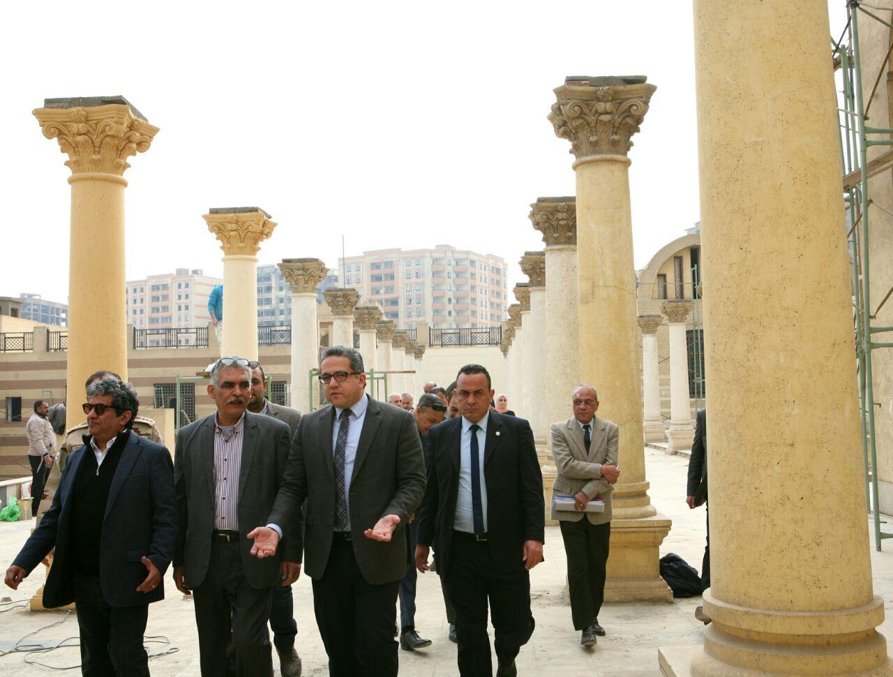 وزير الآثار يتابع أعمال المرحلة الثالثة (2)
