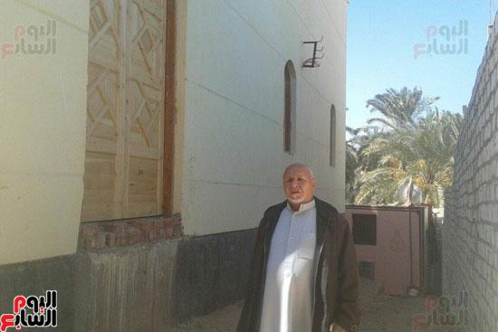 الأهالى يتمنون أداء الصلاة فى المسجد