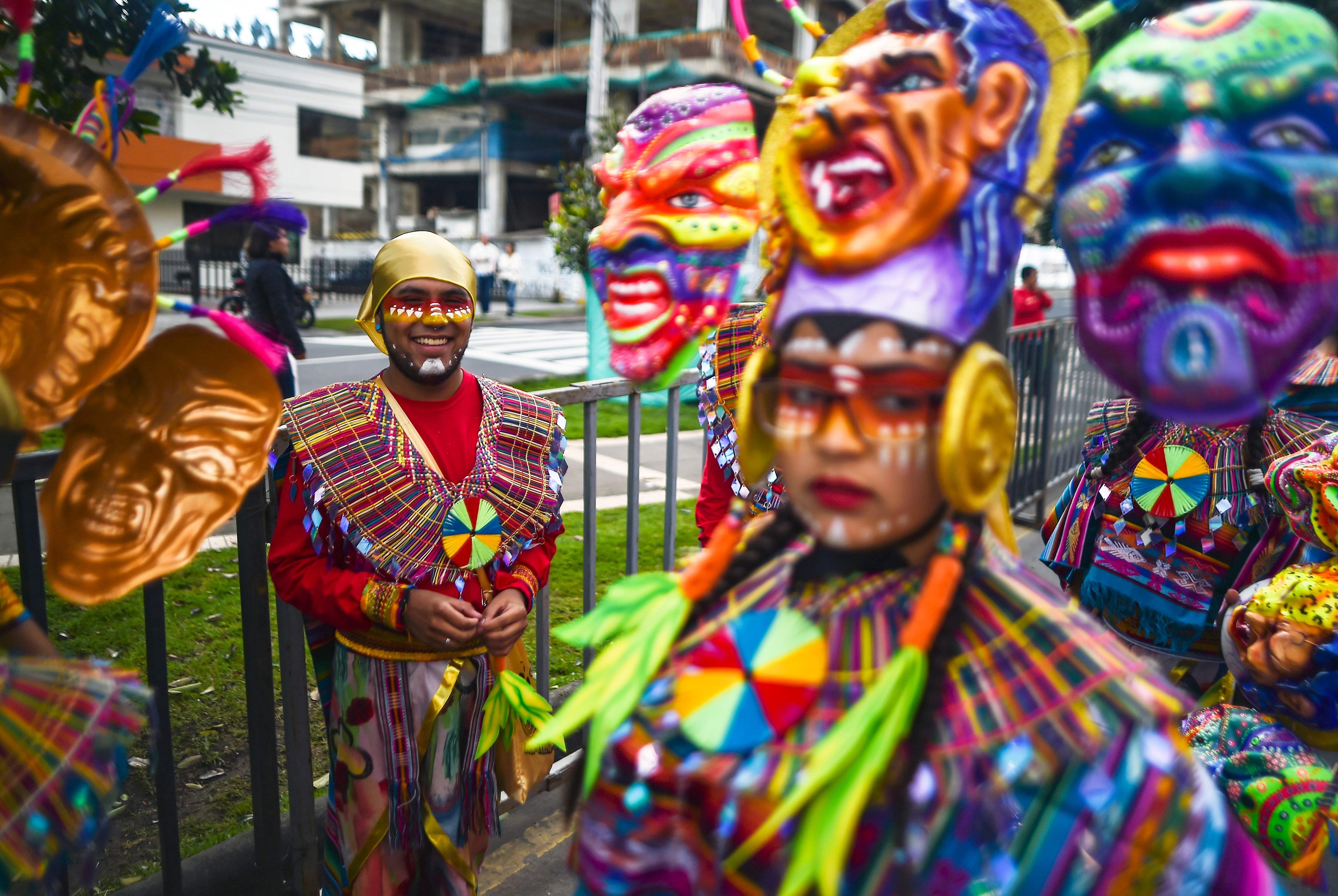 جانب من مهرجان السود والبيض بكولومبيا