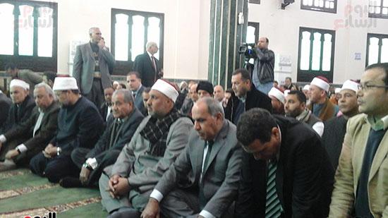صور وزيرا الأوقاف والتموين يفتتحان مسجدًا بالشرقية (2)