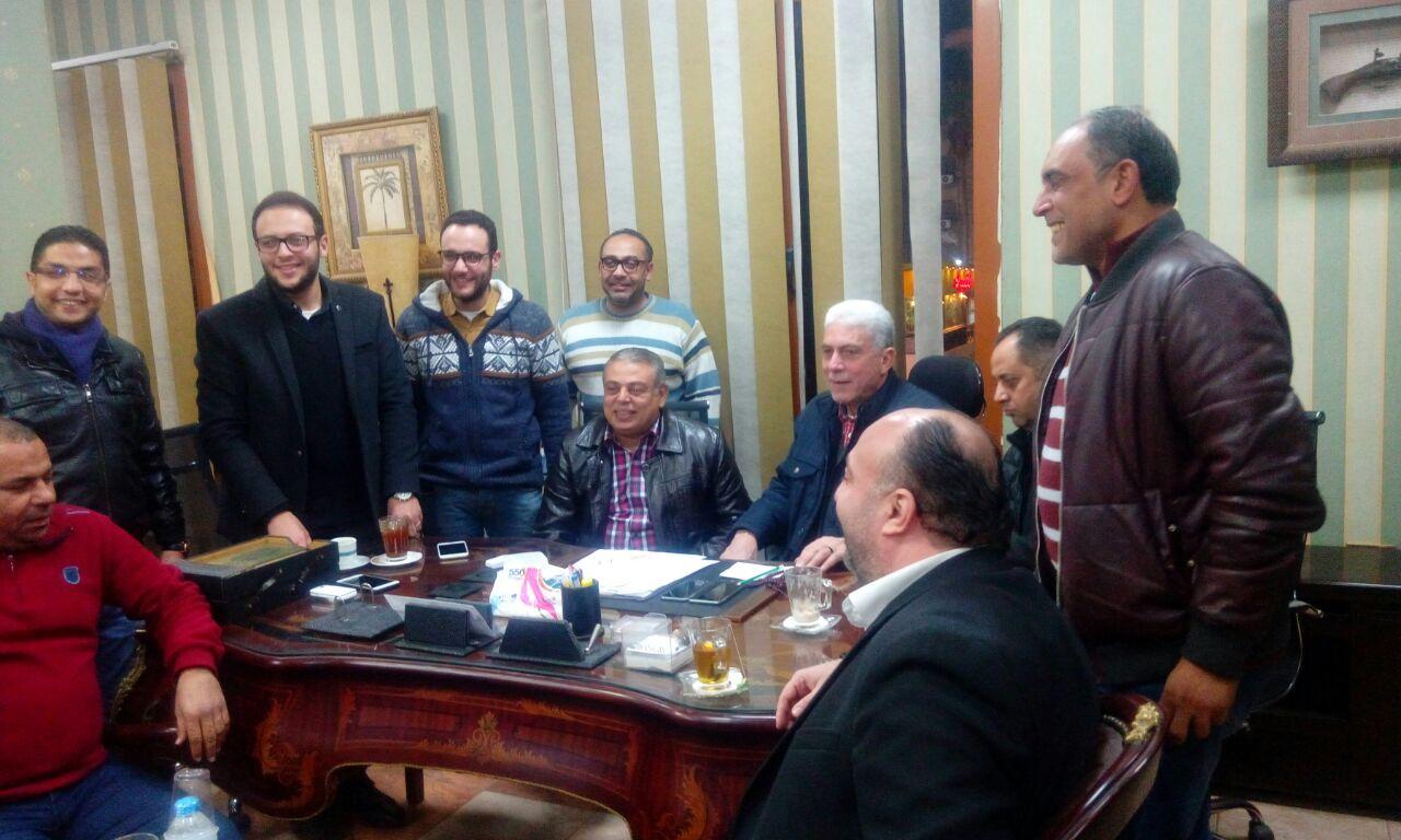 خالد عيد يوقع على عقود تولي المسئولية الفنية لبلدية المحلة