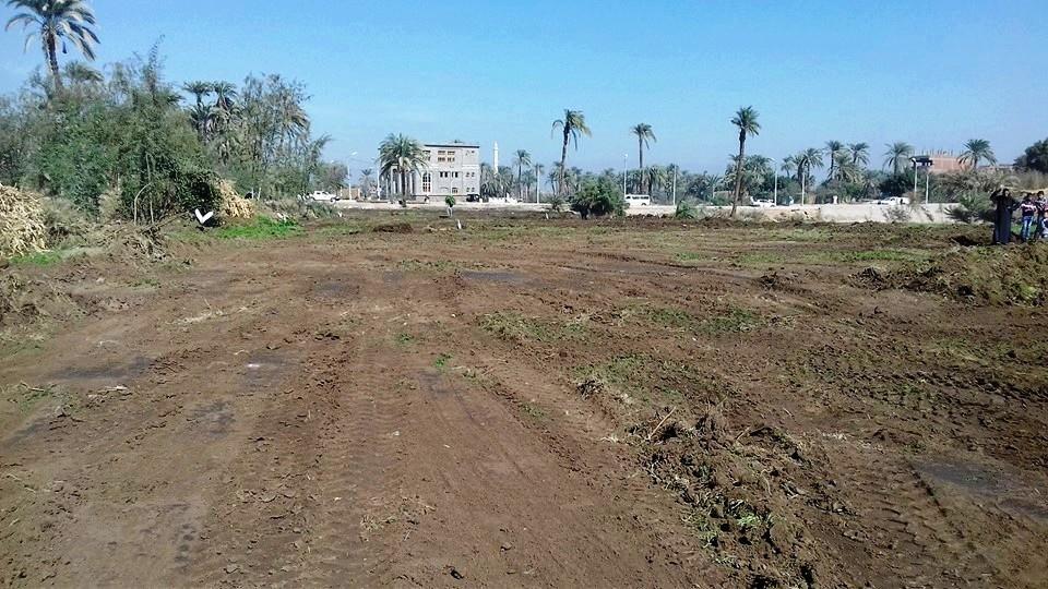 تسليم قطعة أرض لهيئة الأبنية التعليمية (1)