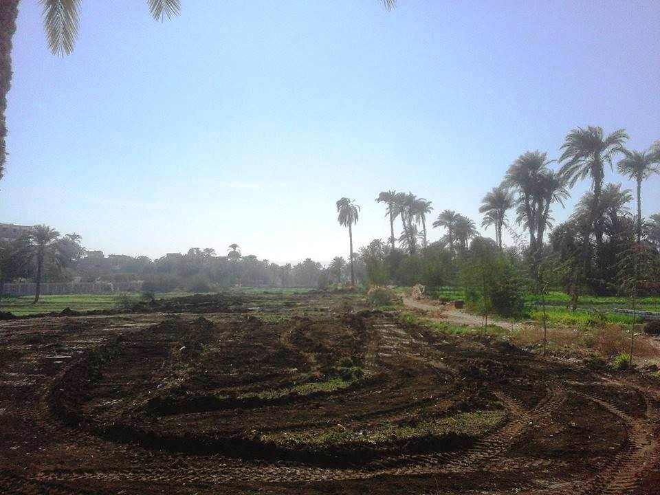 تسليم قطعة أرض لهيئة الأبنية التعليمية (2)