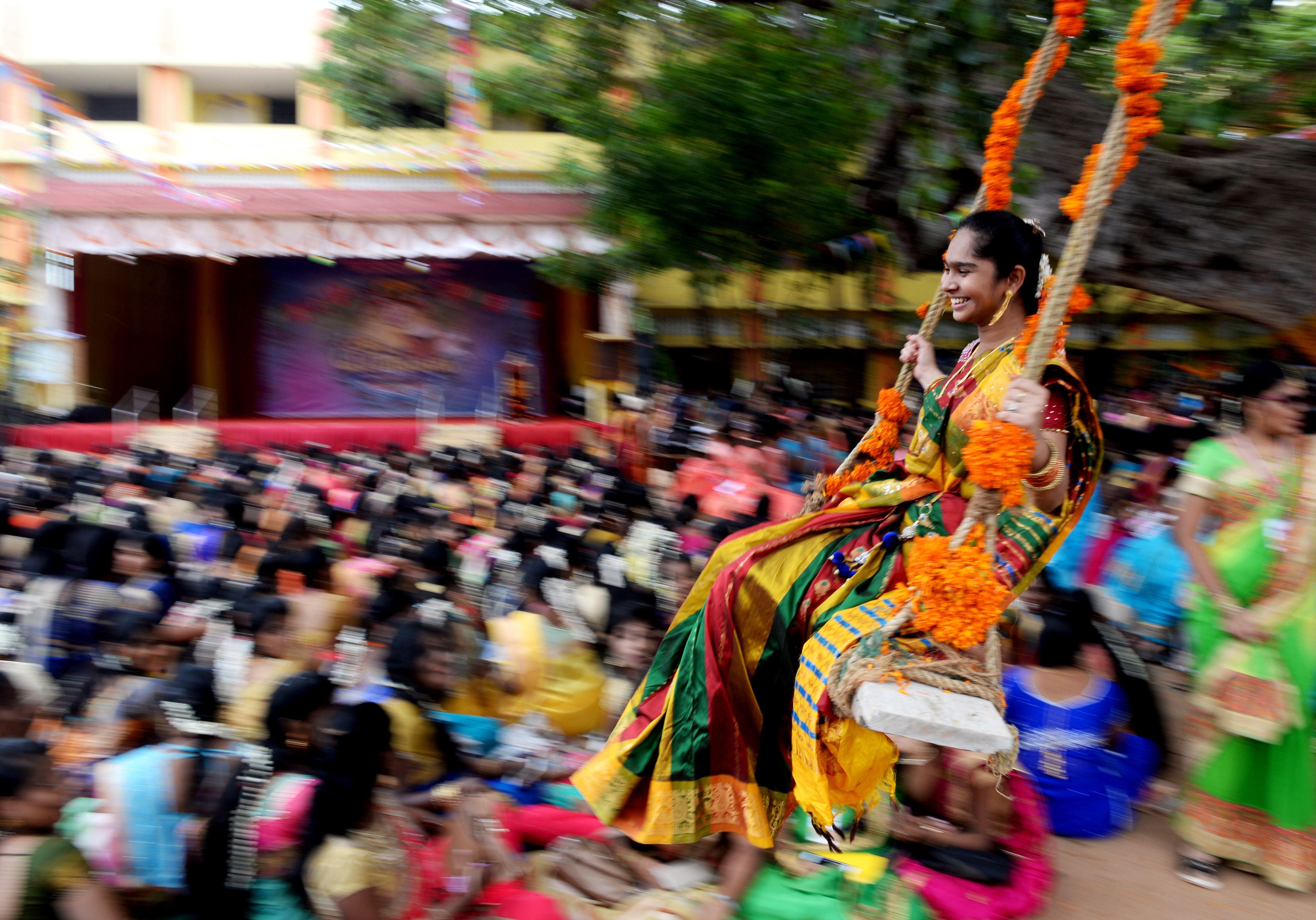 جانب من انطلاق احتفالات مهرجان الحصاد فى الهند
