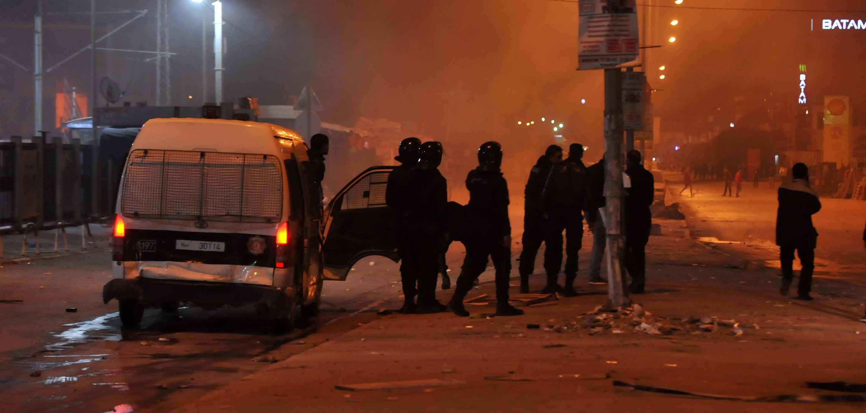 نتيجة بحث الصور عن احداث شغب تونس