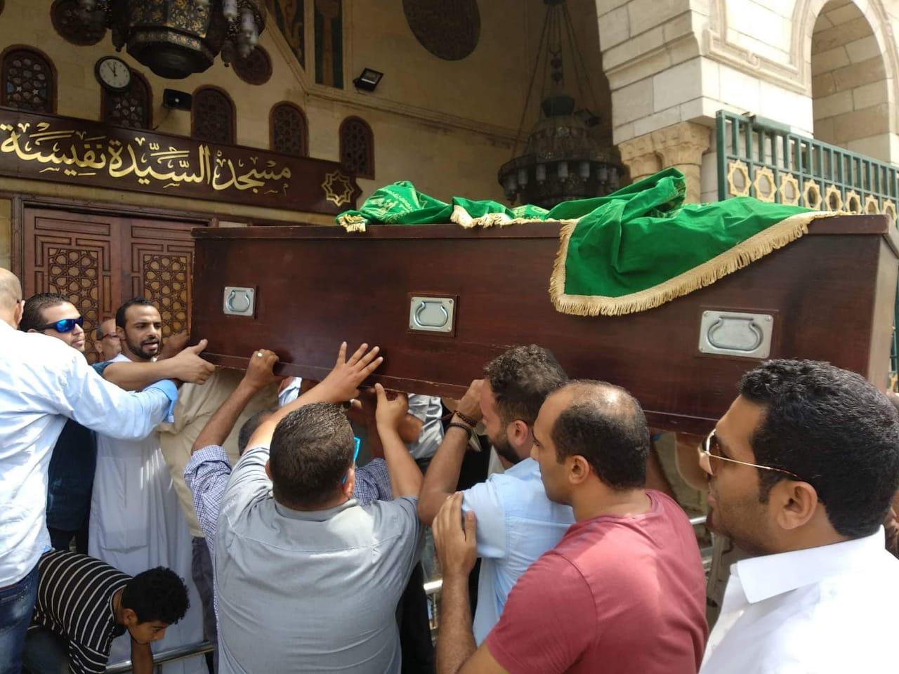 جنازة صفوت عبد الحليم فى مسجد السيدة نفيسة