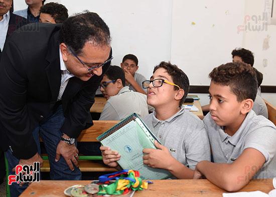 صور رئيس الوزراء فى جولة تفقدية بشرم الشيخ (7)