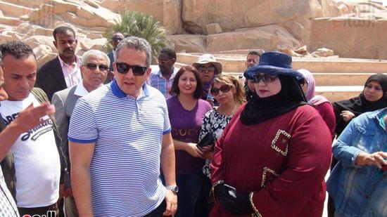 وزيرا-الاثار-والسياحة-يلتقون-مع-الوفود-السياحية--(2)