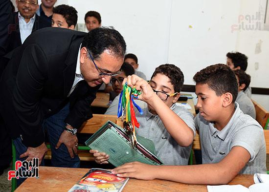 صور رئيس الوزراء فى جولة تفقدية بشرم الشيخ (6)