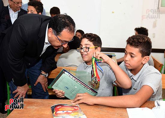 صور رئيس الوزراء فى جولة تفقدية بشرم الشيخ (5)
