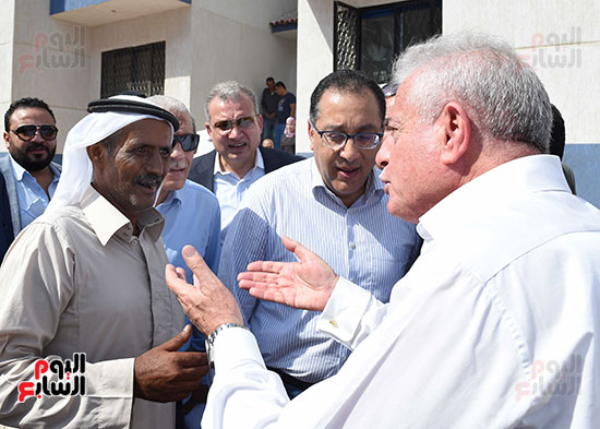 صور رئيس الوزراء يتفقد مشروع تطوير مناطق الرويسات بشرم الشيخ (8)