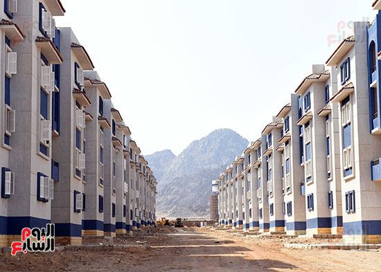 صور رئيس الوزراء يتفقد مشروع تطوير مناطق الرويسات بشرم الشيخ (2)