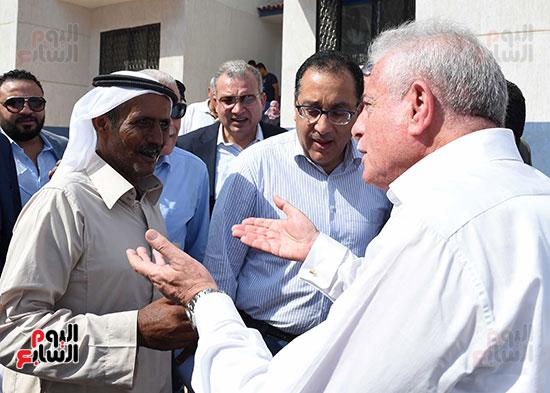 صور رئيس الوزراء يتفقد مشروع تطوير مناطق الرويسات بشرم الشيخ (9)