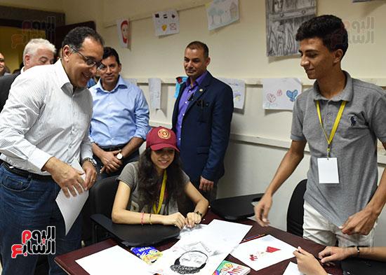 صور رئيس الوزراء يتفقد مدينة الشباب والرياضة بشرم الشيخ (8)