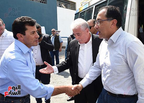 صور رئيس الوزراء يتفقد مدينة الشباب والرياضة بشرم الشيخ (1)
