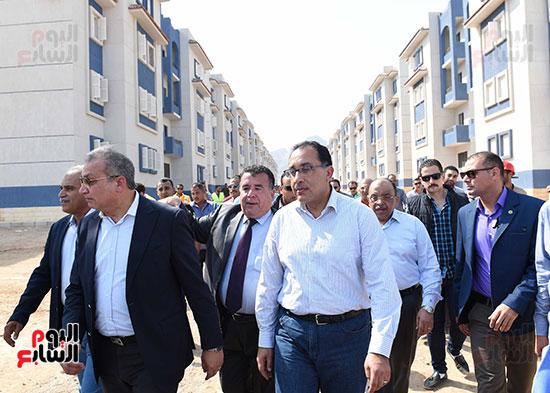 صور رئيس الوزراء يتفقد مشروع تطوير مناطق الرويسات بشرم الشيخ (10)