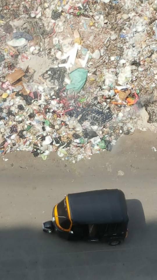 أهالى حى غرب شبرا الخيمة يستغيثون من حرائق القمامة (2)