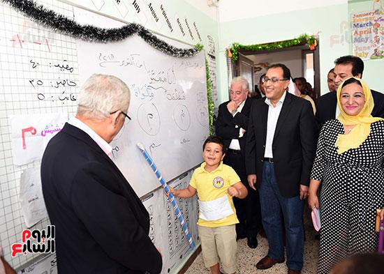 صور رئيس الوزراء فى جولة تفقدية بشرم الشيخ (9)