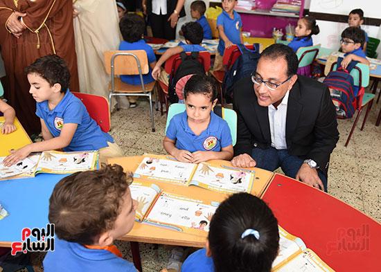 صور رئيس الوزراء فى جولة تفقدية بشرم الشيخ (3)