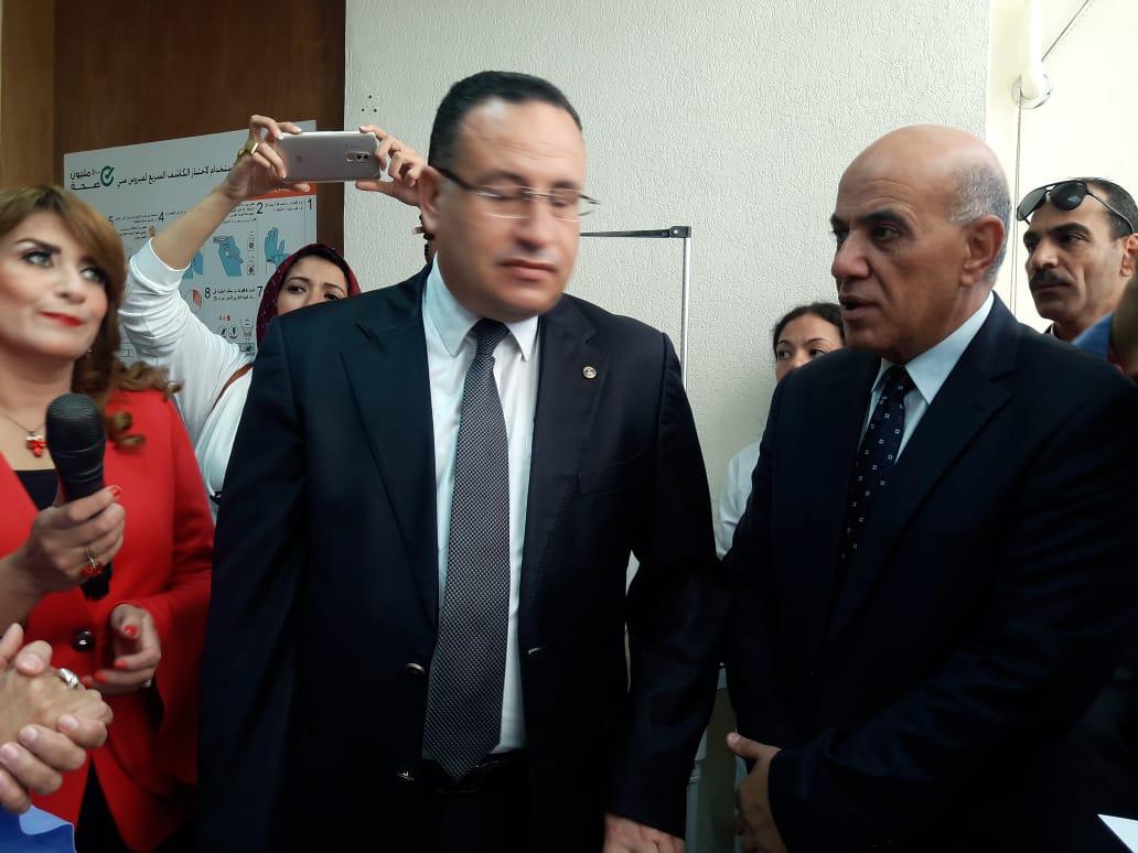 محافظ الإسكندرية يفتتح المبادرة الرئاسية للكشف عن فيروس سى (1)