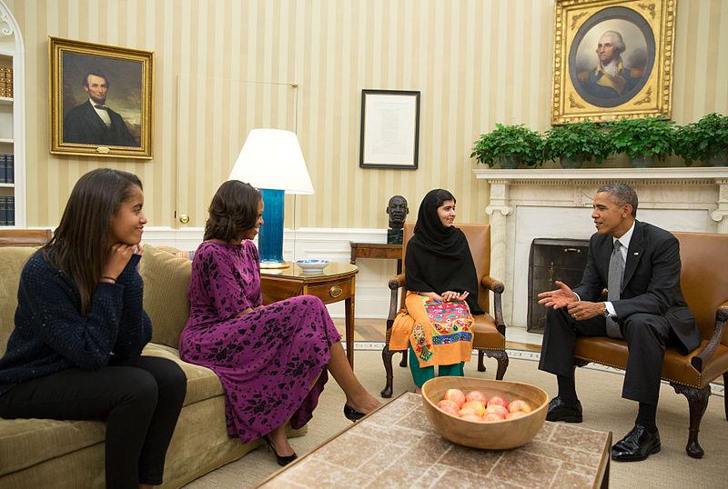 800px-Malala_Yousafzai_Oval_Office_11_Oct_2013