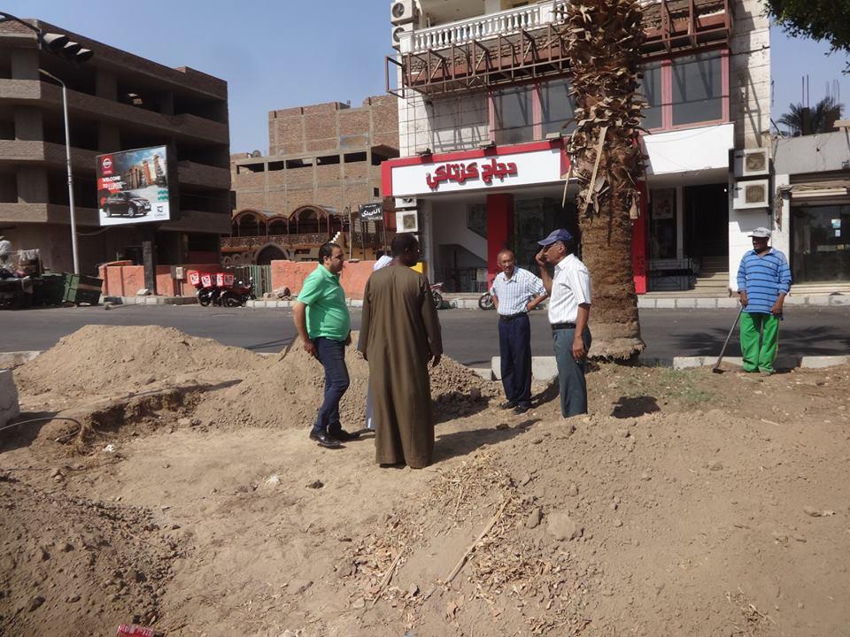 تعرف على آخر تطورات رفع كفاءة شارع خالد بن الوليد بالأقصر (2)