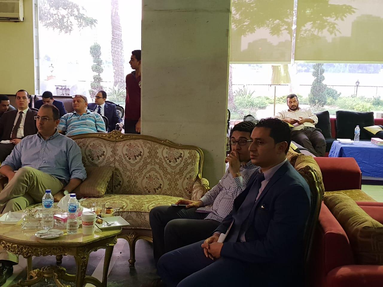 الحضور خلال الملتقى