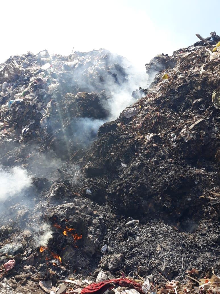حرق القمامة فى  عزبة ابو خليل   (2)