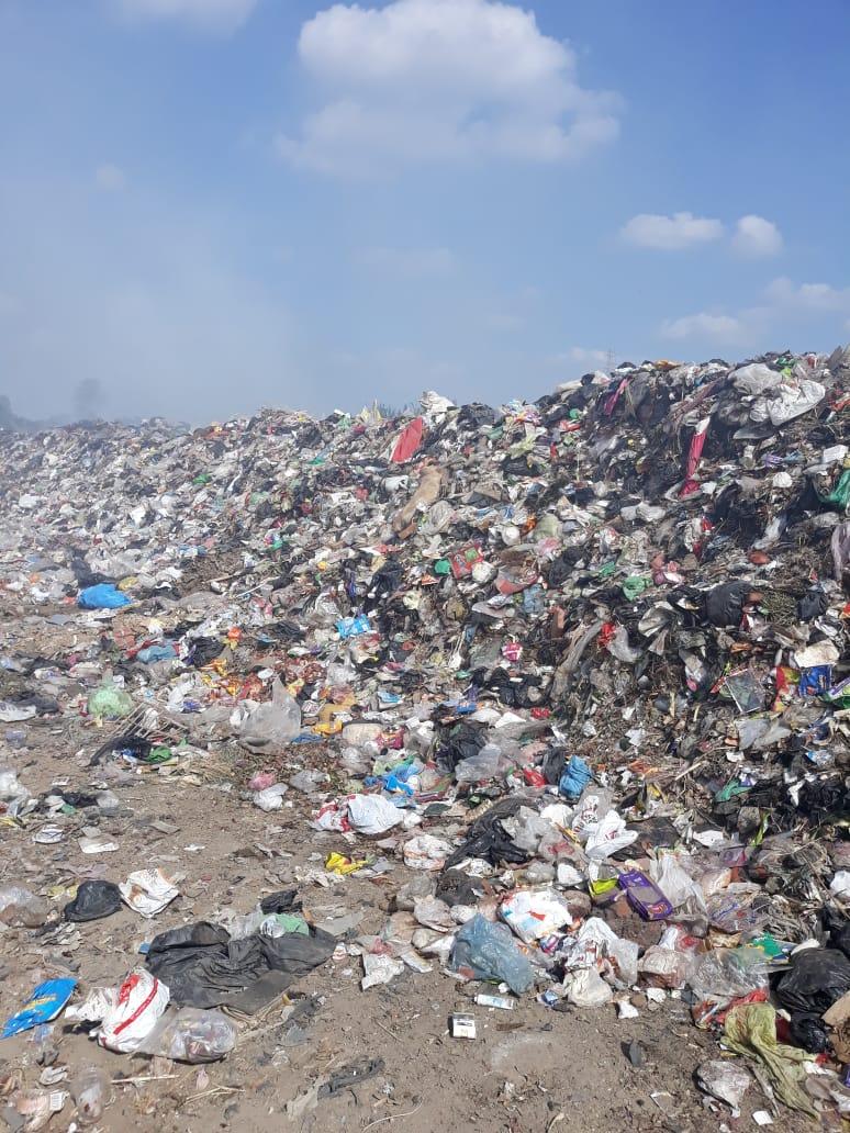 حرق القمامة فى  عزبة ابو خليل   (4)