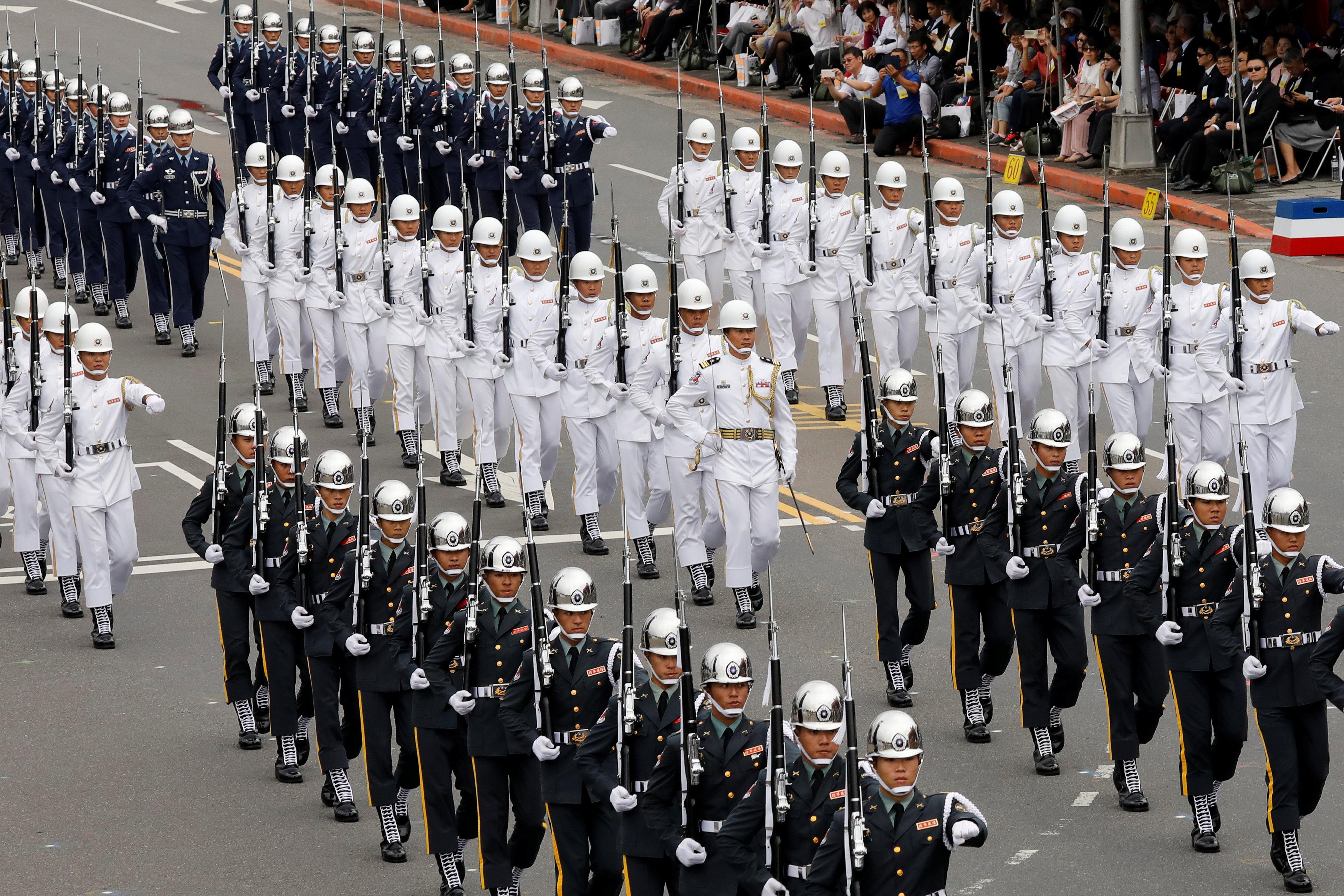عرض تنظمه الشرطة التايوانية