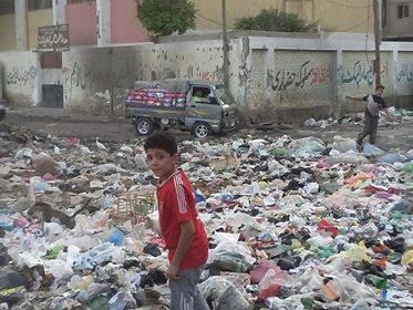 قمامة تحاصر مدارس شبرا الخيمة