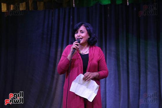 تكريم سميرة عبد العزيز بمهرجان المسرح الحر بجامعة عين شمس  (18)