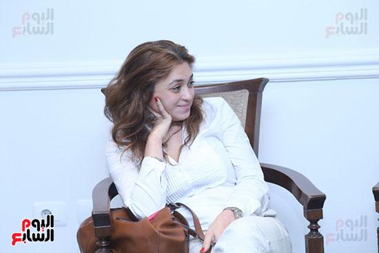 تكريم سميرة عبد العزيز بمهرجان المسرح الحر بجامعة عين شمس  (4)