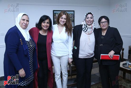 تكريم سميرة عبد العزيز بمهرجان المسرح الحر بجامعة عين شمس  (16)
