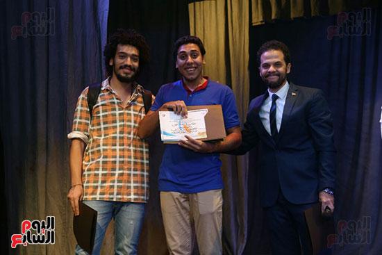 تكريم سميرة عبد العزيز بمهرجان المسرح الحر بجامعة عين شمس  (52)