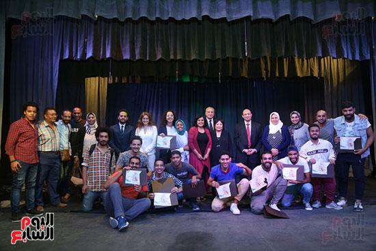 تكريم سميرة عبد العزيز بمهرجان المسرح الحر بجامعة عين شمس  (55)