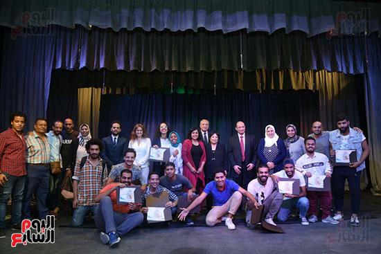 تكريم سميرة عبد العزيز بمهرجان المسرح الحر بجامعة عين شمس  (56)