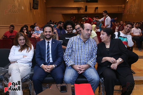 تكريم سميرة عبد العزيز بمهرجان المسرح الحر بجامعة عين شمس  (17)