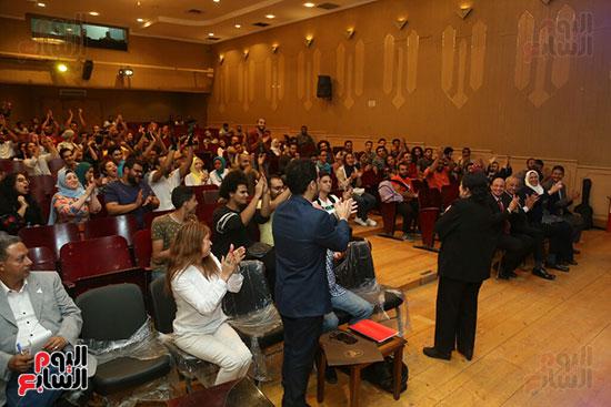 تكريم سميرة عبد العزيز بمهرجان المسرح الحر بجامعة عين شمس  (21)