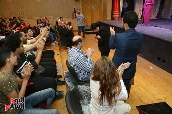 تكريم سميرة عبد العزيز بمهرجان المسرح الحر بجامعة عين شمس  (22)