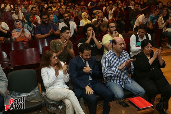 تكريم سميرة عبد العزيز بمهرجان المسرح الحر بجامعة عين شمس  (19)