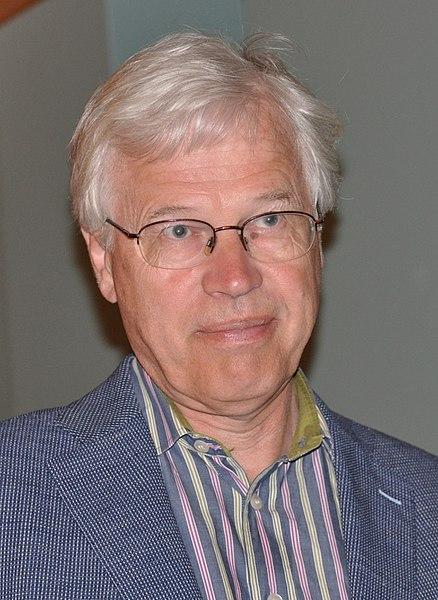 438px-Bengt_Holmström