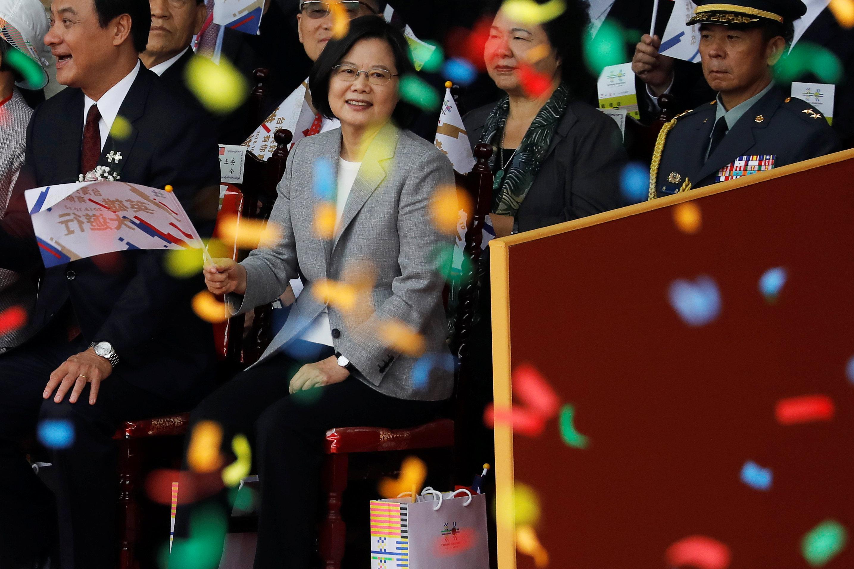 رئيسة تايوان تتوسط الحضور فى اليوم الوطنى