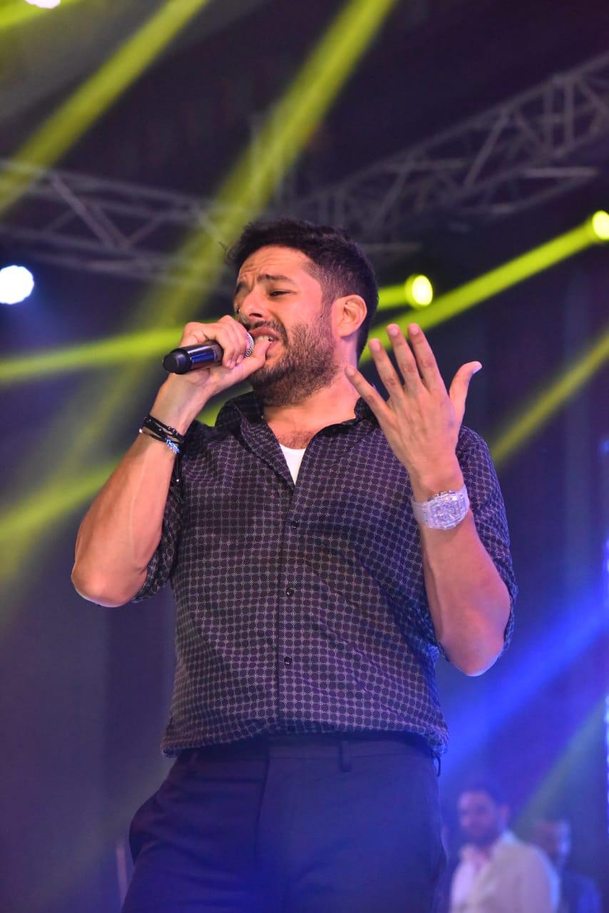 محمد حماقى  (40)