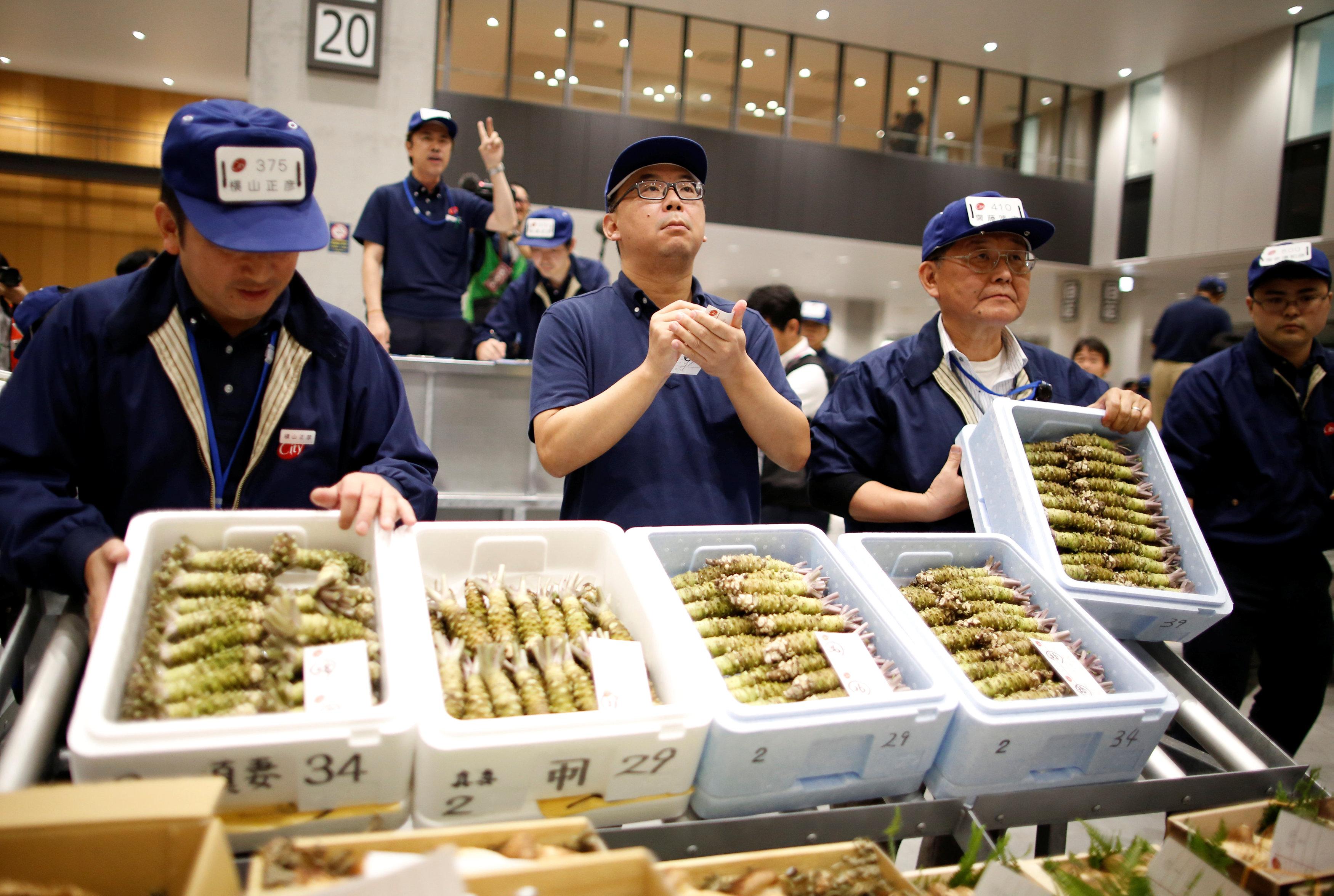 سوق أسماك فى طوكيو