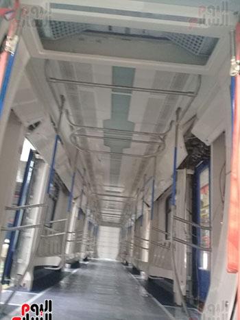 صور اليوم السابع فى جولة داخل مصنع عربات المترو الروسى (3)